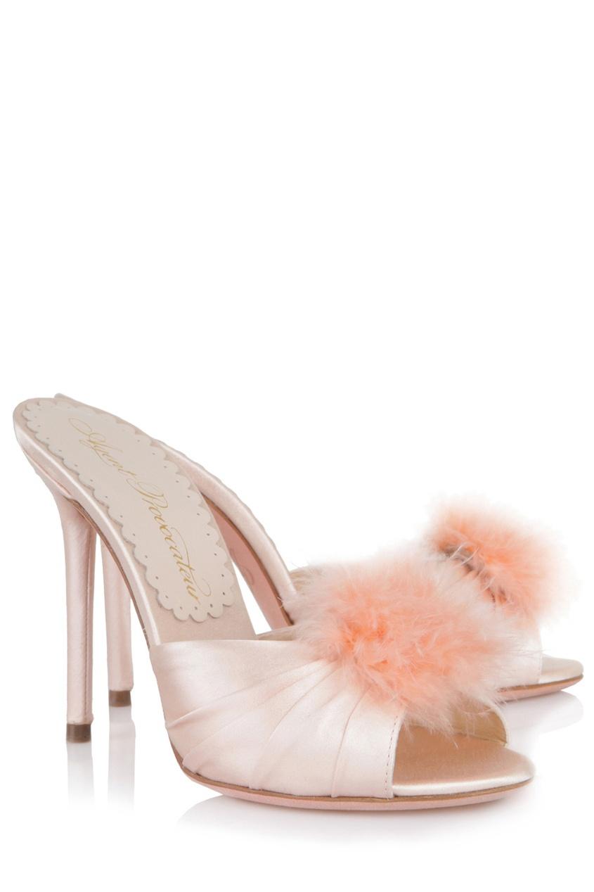 Туфли EliceАксессуары<br>Новинка классического будуара от AP - атласные туфли на каблуке с кокетливым декором из перьев марабу. Туфли нежно-розового цвета из королевского шелкового атласа дополнены кружевной стелькой с фирменной надписью АP.<br><br>&amp;nbsp;<br><br>Высота каблука: 110 мм<br><br>Возраст: Взрослый<br>Размер unitSize=IT: 40<br>Цвет: розовый<br>Пол: Женское
