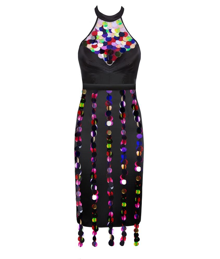 Платье RenoПлатья<br>Начните вечеринку в Reno - потрясающем платье, в котором вы всю ночь будете в центре внимания. Блестящее платье из черного крепдешина искусно подчеркивает изгибы и стройность фигуры благодаря утягивающим панелям с внутренними швами. Чашки со скрытыми косточками обеспечивают незаметную поддержку. Высокий бюстгальтер спереди украшает панель из полупрозрачного черного тюля, расшитая крупными разноцветными пайетками, которые эффектно отражают свет. Образ завершает декоративный пояс, гирлянды пайеток которого ниспадают вдоль юбки от талии  и мягко покачиваются при каждом движении.<br><br>Возраст: Взрослый<br>Размер unitSize=: None<br>Цвет: черный<br>Пол: Женское<br>Материал: 93% шёлк 7% эластан сеточка: 100% полиамид