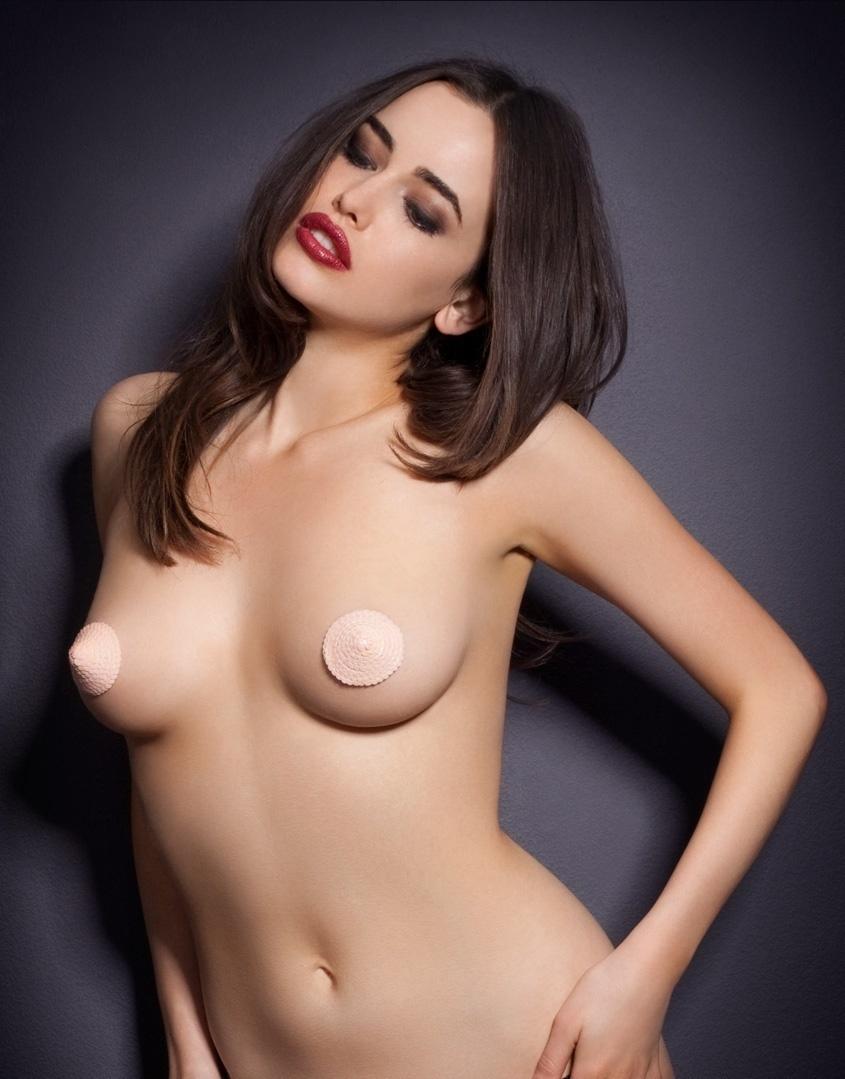 Накладки SequinАксессуары<br>Блестящие накладки на грудь с кожаной каймой розового цвета.<br>&amp;nbsp;<br><br>Накладки крепятся при помощи специального гипоаллергенного&amp;nbsp;скотча<br><br>Возраст: Взрослый<br>Размер: U<br>Цвет: Розовый<br>Пол: Женский