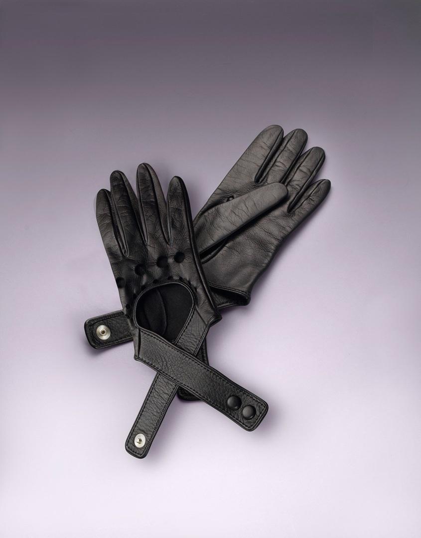 Перчатки Cross-Strap GloveАксессуары<br>Перчатки для вождения из мягкой кожи с перекрестными ремнями.<br><br>Возраст: Взрослый<br>Размер: U<br>Цвет: Черный<br>Пол: Женский