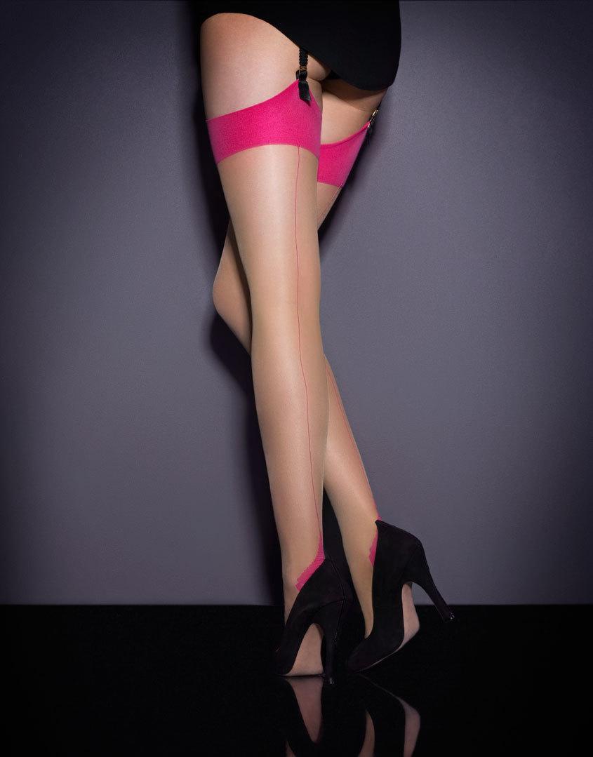 Чулки под пояс Seam &amp; Heel StretchЧулки под пояс<br>Изысканные чулки-стрейч под пояс телесного цвета с тонким ярко-розовым швом сзади. Подчеркните ваши ножки и добавьте немного цвета&amp;nbsp;летнему&amp;nbsp;образу.<br><br>Возраст: Взрослый<br>Размер: C(3 AP);A(1 AP);B(2 AP)<br>Цвет: Розовый<br>Пол: Женский