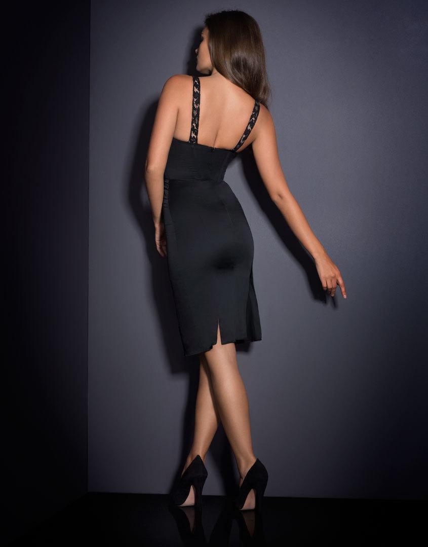 Платье WillowSale Платья<br>При взгляде на Willow останавливается сердце, все гадают, кто же эта прекрасная незнакомка, шепот и догадки сопровождают Ваше появление. Вдохновленное образом роскошных кинодив черно-белого кино, корсетное платье Willow создано из бледного шифона и плотного хлопка, подчеркивающего силуэт, и украшено графичной вышивкой из черного французского кружева Ливерс. Платье имеет небольшие вырезы сзади, мягкий встроенный бюстгальтер на косточках и потайную молнию, идущую вдоль спины. По центру подол юбки украшен крупным вырезом, отороченным черным французским кружевом.<br><br>Возраст: Взрослый<br>Размер: S (2 AP)<br>Цвет: Черный<br>Пол: Женский