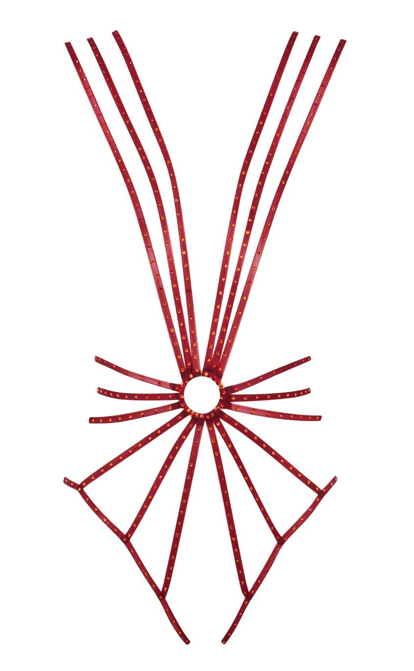 Боди ZabanaБоди<br>Zabana - это настоящий фейерверк! Ощутите жар в этом декадентском боди из эластичных шелковых лент глубокого красного оттенка. Тонкие эластичные лямки расходятся от металлического кольца под грудью, обтягивая тело и подчеркивая женственные изгибы. Сверкающие кристаллы Swarovski придают образу роскошное пламенное сияние. Zabana - эпатажная модель для незабываемого вечера.<br><br>Возраст: Взрослый<br>Размер : UN<br>Цвет: бордовый<br>Пол: Женское<br>Материал: 72% полиамид 28% эластан